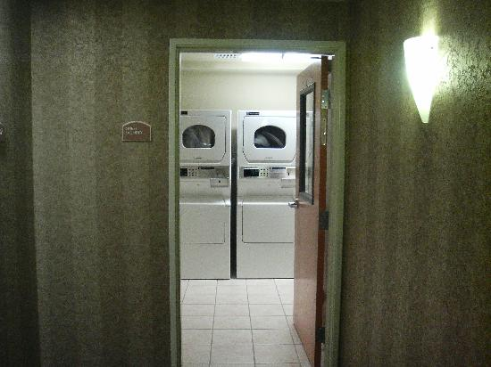 Holiday Inn Express Corvallis: Resonable $1 wash, 75 cents to dry, soap $1 at lobby desk