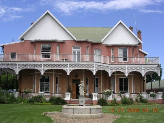 Calderwood Hall Guest House