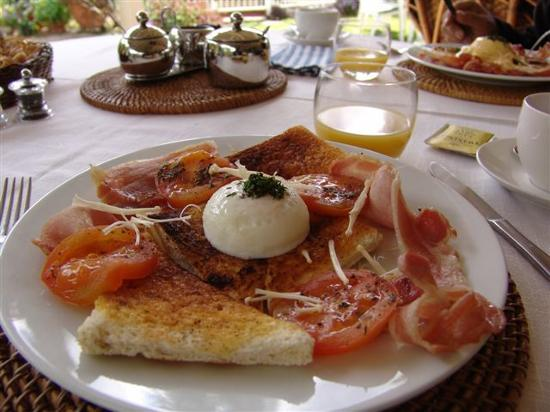 Noosa Valley Manor: Delicious breakfast