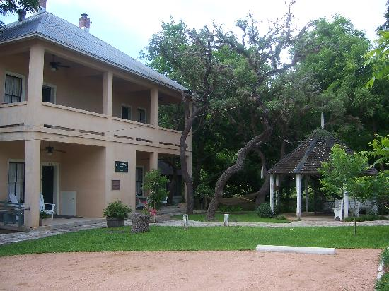 Meyer Bed and Breakfast on Cypress Creek: main house