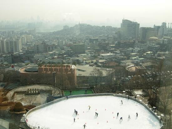 Grand Hyatt Seoul: Ice skating rink