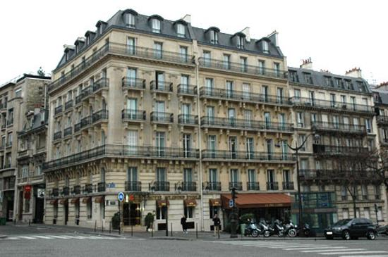 View from avenue carnot picture of splendid etoile hotel for Hotels 1 etoile paris