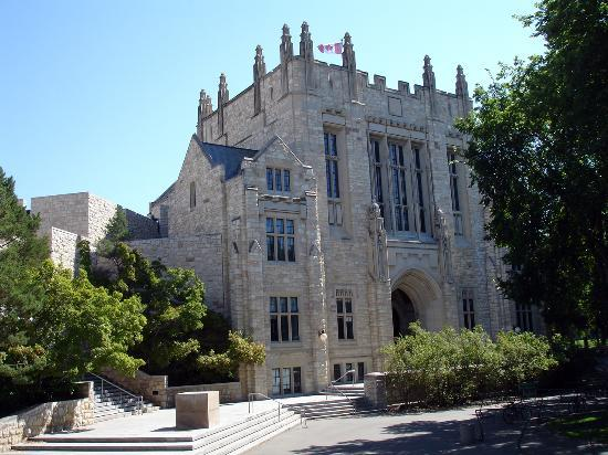 Saskatoon, Canada : Thorvaldson Building on the University of Saskatchewan campus