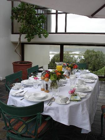 Kanonkop Guest House: Mmmm brekfast... what a way to start your day!