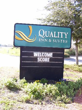 Quality Inn & Suites Patriots Pt.: Hotel Sign announcing our conference