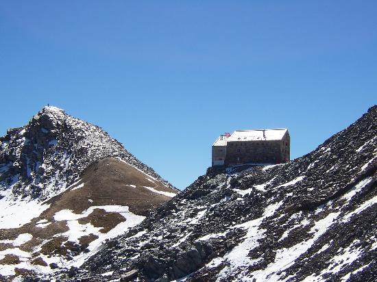 Saas-Fee, Switzerland: Britannia hut SAC