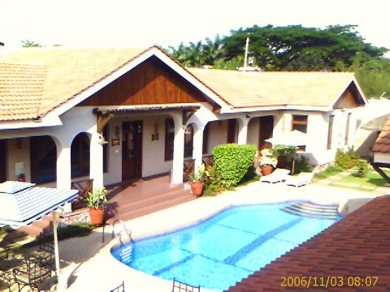 Photo of Mahogany Lodge Accra