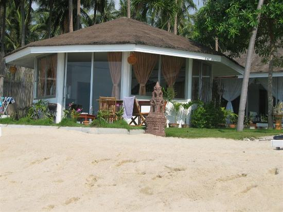 Rajapruek Samui Resort: Beach bungalow