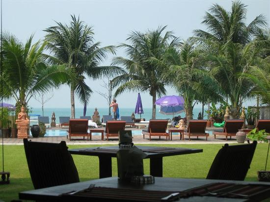 Rajapruek Samui Resort: The view from the restaurant