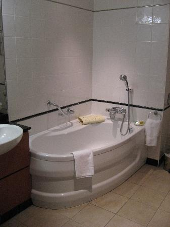 Wild Pheasant Hotel & Spa: Bathroom