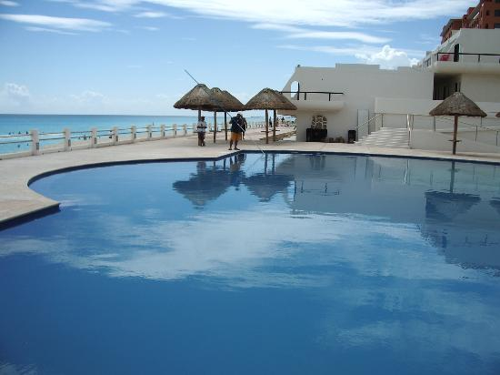 301 moved permanently for Villas marlin cancun