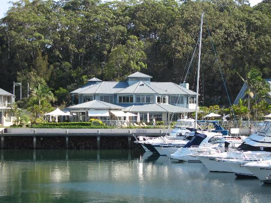 main hotel building picture of anchorage port stephens. Black Bedroom Furniture Sets. Home Design Ideas