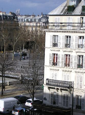 Hotel Paris Bastille: View from our Hotel - Sacre Coeur in the background