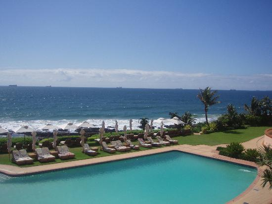 Umhlanga Rocks, Sudáfrica: View of beach from breakfast