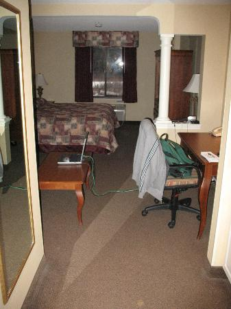 Comfort Suites: The room from Entryway