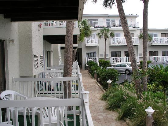Grand Shores West