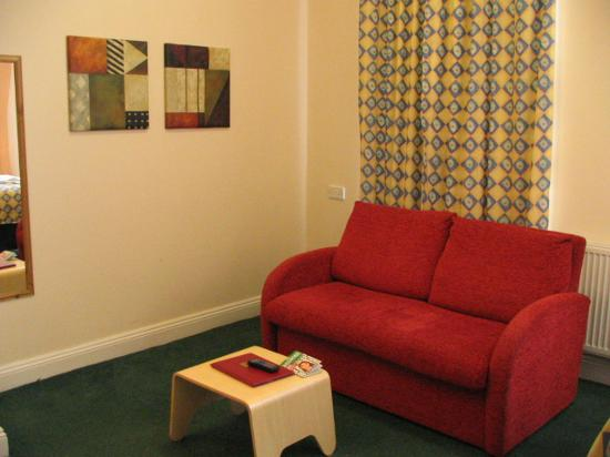 Comfort Inn & Suites Kings Cross: settee