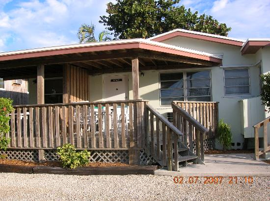 Parmer's Resort: Our apartment & deck