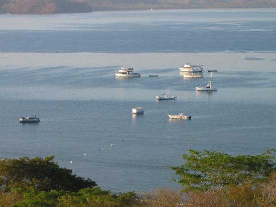 Allegro Papagayo: boats anchored at Allegro