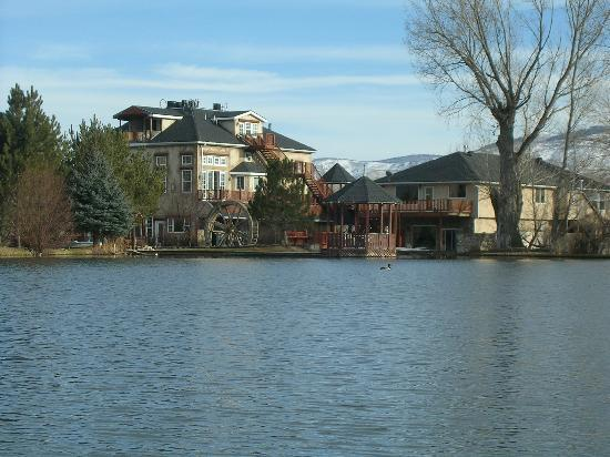 Midway, UT : The mill from the pond