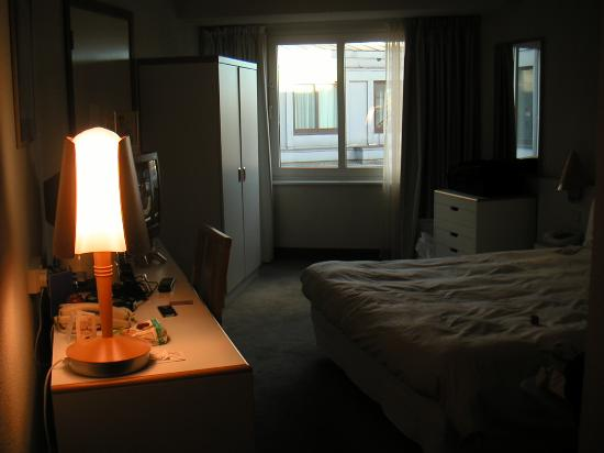 Small Almost Dark Room Rm 706 Picture Of Novotel London