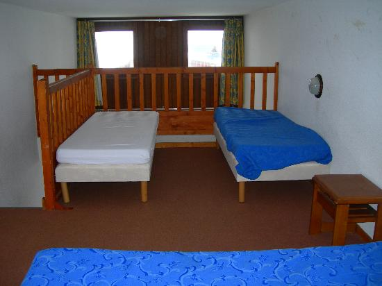 Beds on mezzanine level picture of silveralp val thorens tripadvisor - Bed mezzanie kind ...