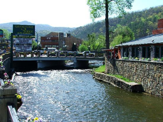 Gatlinburg, TN : The River