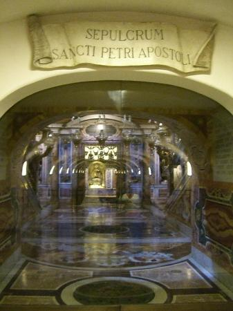 St Peters Tomb Picture Of Vatican City Lazio Tripadvisor
