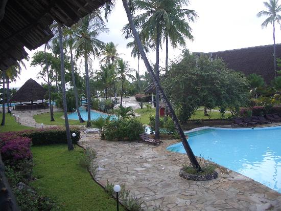 Amani Tiwi Beach Resort: The Pool