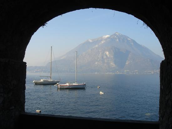 Comer See, Italien: Mountains from the lake