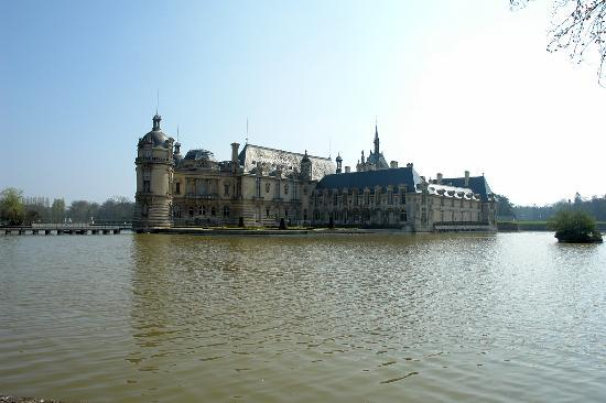 Chateau de chantilly france hours address tickets for Chantilly photo