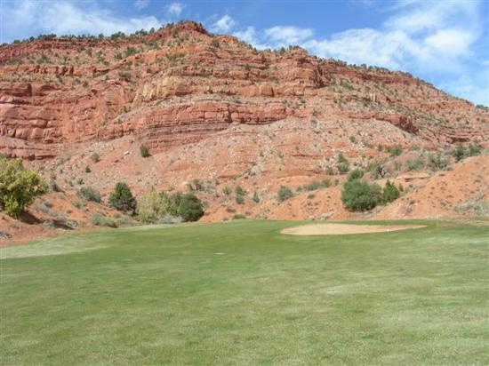 Kanab, UT: View of cliffs from golf course