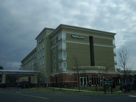 Holiday Inn Manahawkin / Long Beach Island: Front of Hotel