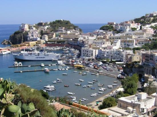 Ponza Island, talya: harbor