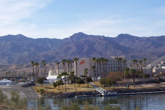 how to get to laughlin nevada