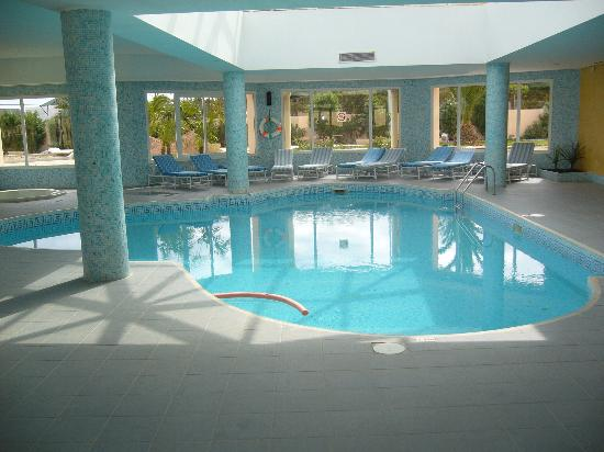 Room with a view picture of clubhotel riu bellevue park for Hotel piscine interieur