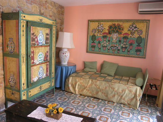 Hotel Villa Ducale: Our bedroom (2)