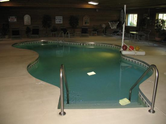 BEST WESTERN Bluffview Inn & Suites: Pool