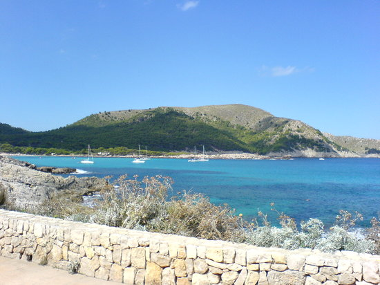 Cala Rajada, Spanien: View from the rear of the hotel