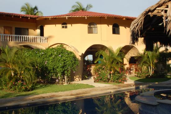 Photo of Hotel El Delfin Parrita