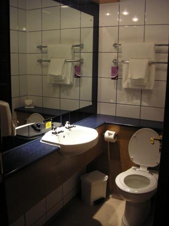 Premier inn birmingham north sutton coldfield west midlands hotel reviews tripadvisor Premiere bathroom design reviews