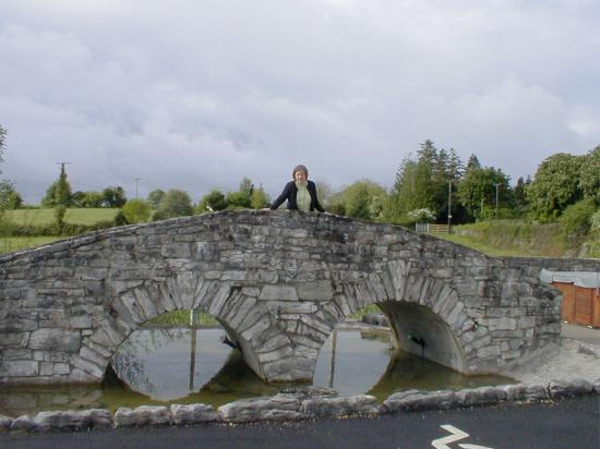 Michaeleen's Manor: replica Quiet Man bridge