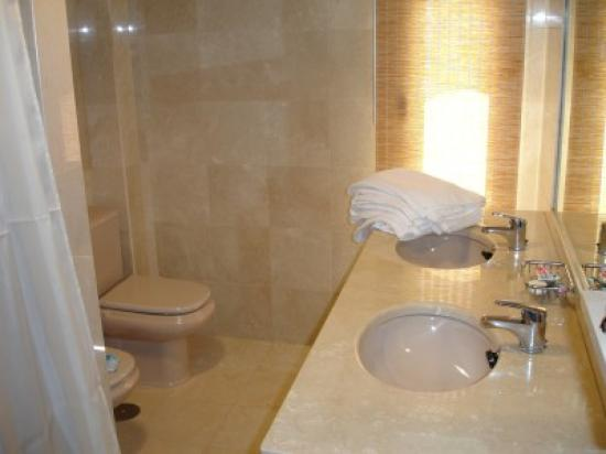 Bathroom Picture Of Riviera Park Apartments Puerto Del Carmen Tripadvisor