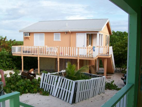 Lo'Lolly Beach Cottages: The orange cottage