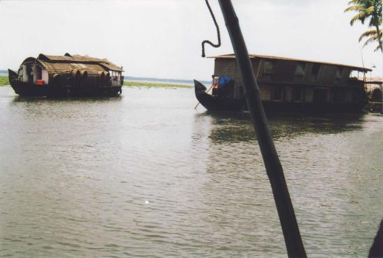 Kottayam, Indien: the vembanadu lake