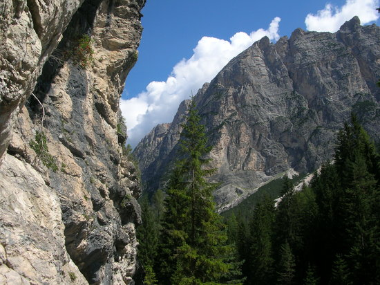 Cortina D'Ampezzo, Italia: Dolomite mountains