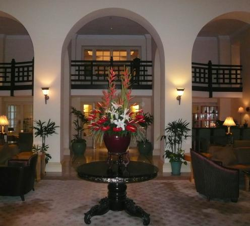 Raffles Hotel Le Royal: main lobby