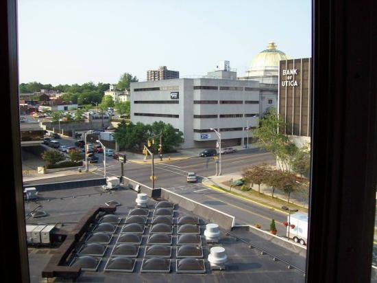 Radisson Hotel-Utica Centre: view from the room