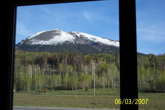 Alpine Inn: The view from our room window.