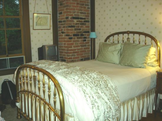 Ashland Mountain House B&B: Gibbs Room - Bedroom